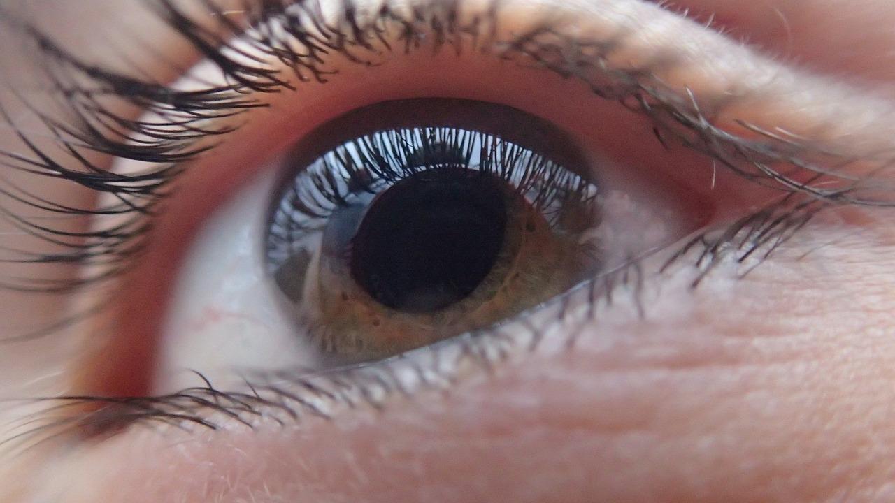 Kontakt wzrokowy - jak nauczyć kontaktu wzrokowego dziecko z autyzmem?